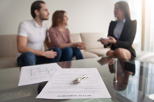 Instructing A Solicitor To Help With Selling A House